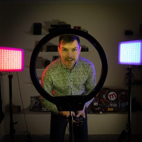 Video gaismas - Divu Yongnuo LED Light YN-600 RGB - WB (3200 K - 5500 K) daismu komplekta noma