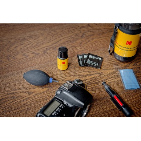 Cleaning Products - Kodak Travel Cleaning Kit for Optics - buy today in store and with delivery
