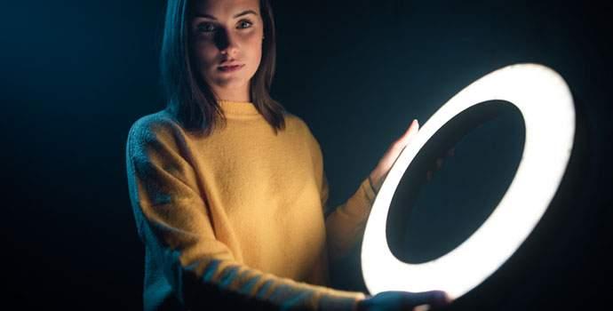 Apaļās gredzenveida LED lampas – ne tikai skaistuma blogiem